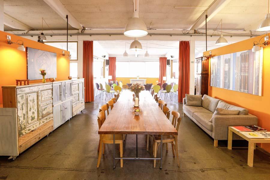 Kreativräume Hamburg mit langer Tafel